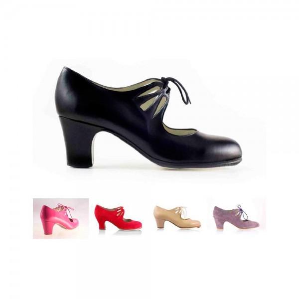 Zapato de flamenco. Modelo Cordonera Calado