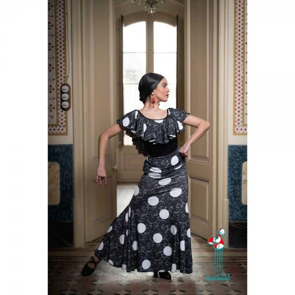 Falda flamenca de baile flamenco de uso profesional y ensayo. Modelo Mirabel lunares